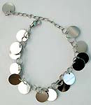 Multi circle pattern forming fashion bracelet