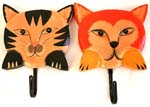 Wooden tiger head hook, assorted color randomly pick