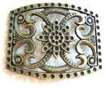 Belt buckle in rectangular shape motif a flower in the middle and curvy line on each side
